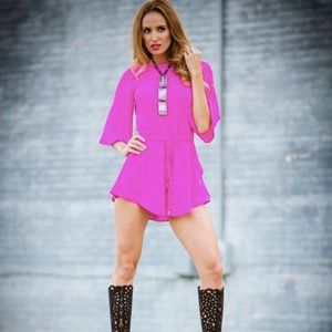 VESTIQUE Hot Pink Open Back Romper Small